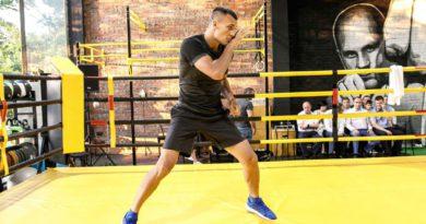 Звёзды мирового бокса встретились с геленджикскими спортсменами